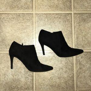 OLD NAVY suede black booties with heel